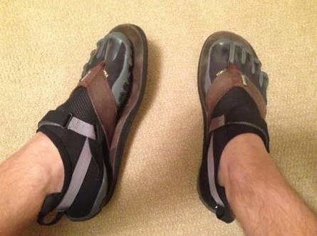 Toe shoes with thongs.jpeg
